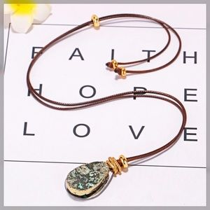 Jewelry - ✨JUST IN✨ Natural Stone and Leather Necklace